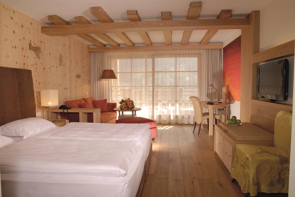 Adler dolomiti spa sport resort zimmer suiten for Stylische wellnesshotels