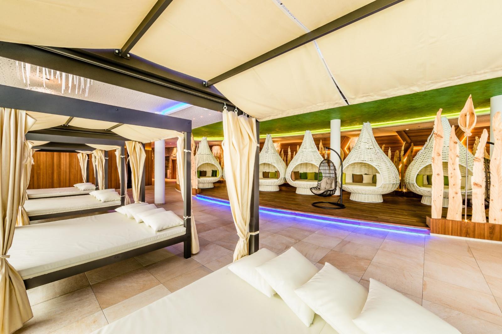 Solebäder: Foto vom Wellnesshotel Alpine Luxury Spa Resort Schwarzenstein   Wellness Südtirol