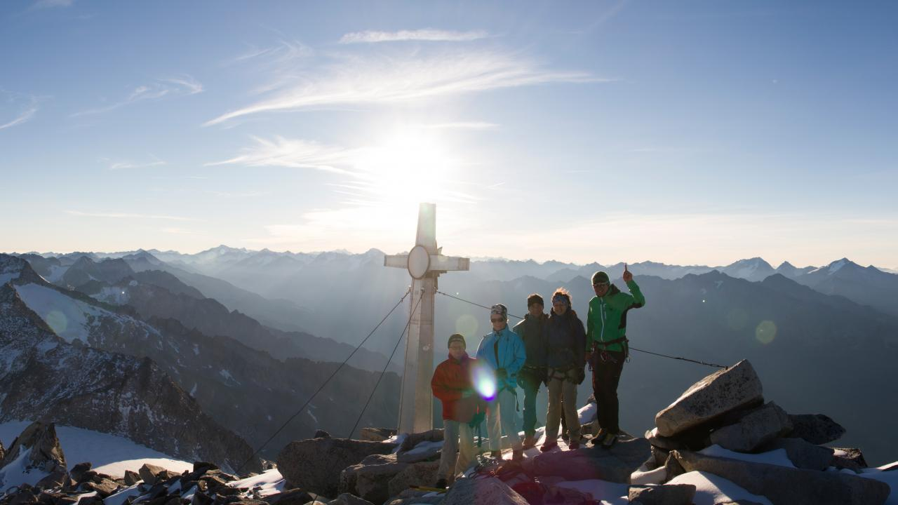 Bild zum Wellness-Angebot Sonnenaufgang am Schwarzenstein 3369m