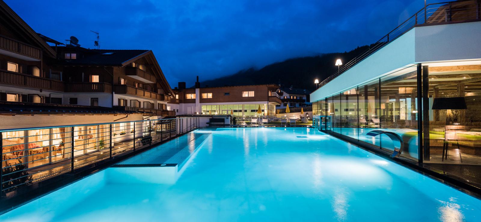 Wellnesshotels dolomiten s dtirol die besten hotels for Design hotel dolomiten
