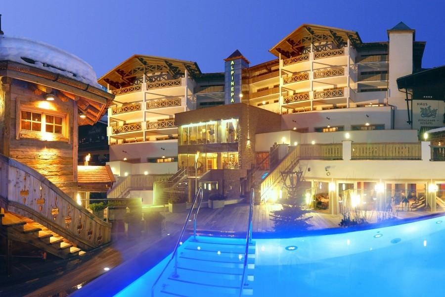 Wellnesshotels in bramberg am wildkogel salzburger land for Design hotel salzburger land