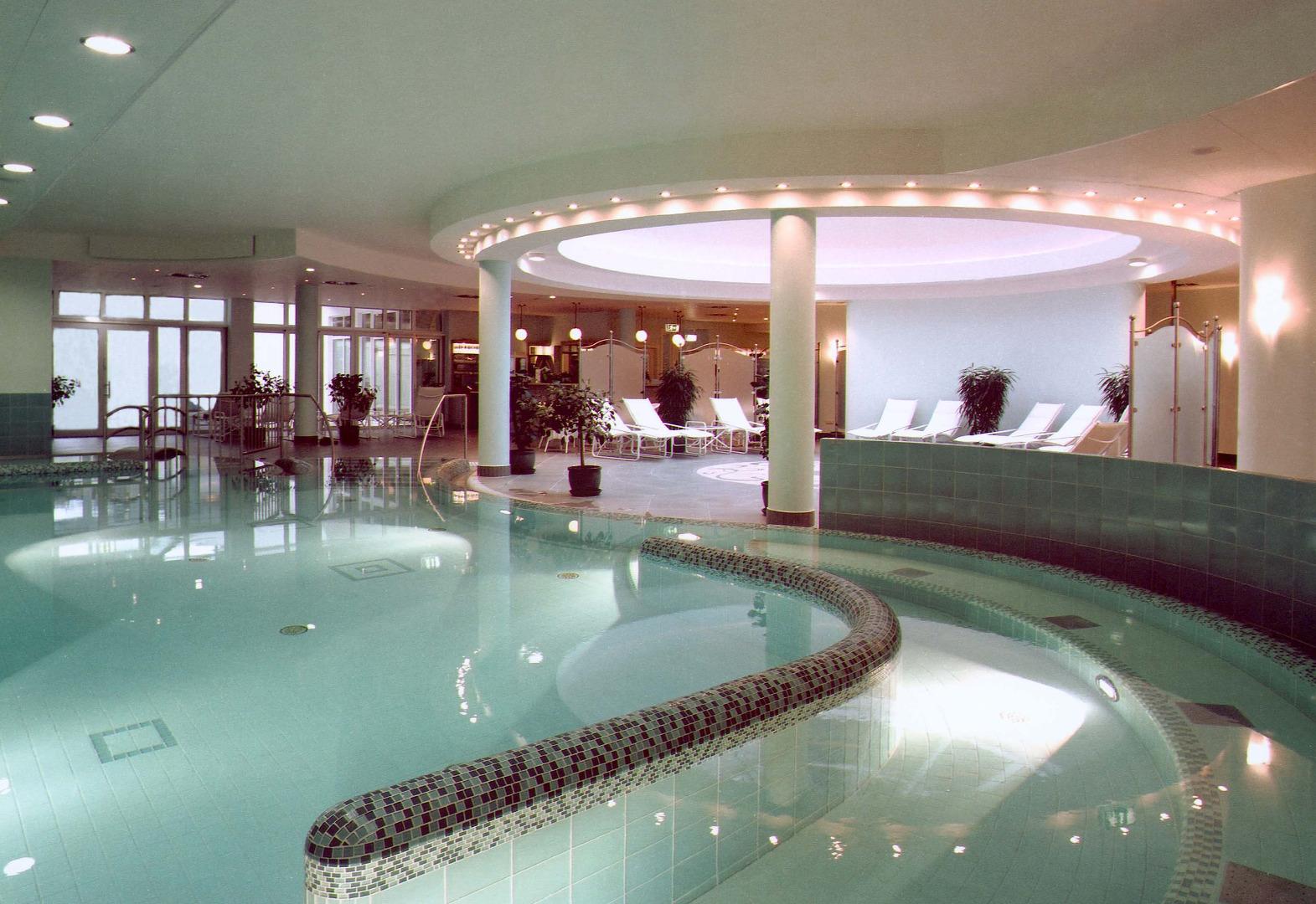 grand hotel binz bilder vom wellnesshotel. Black Bedroom Furniture Sets. Home Design Ideas