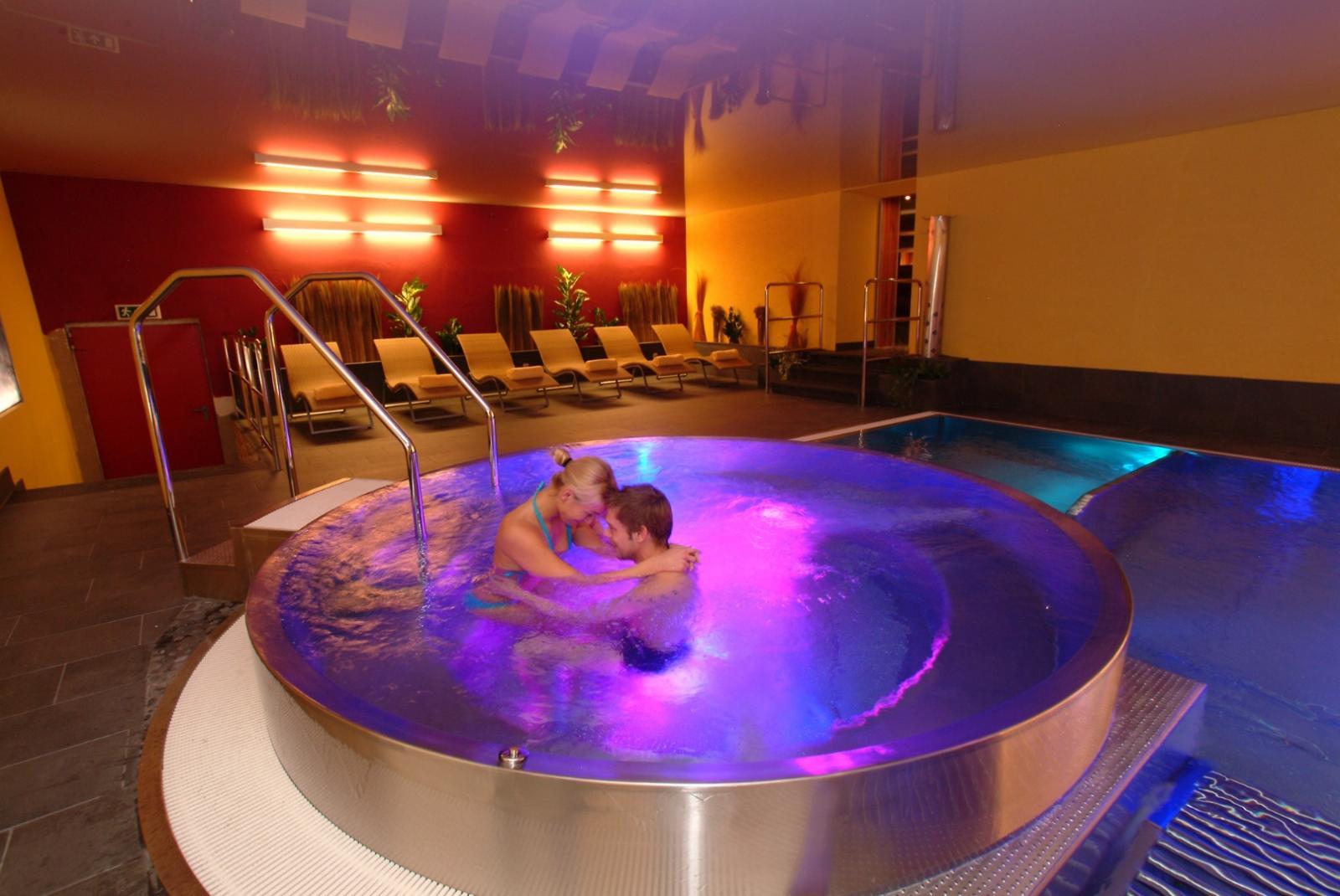 Hotel winzer wellness kuscheln st georgen im attergau for Hotel mit whirlpool im zimmer bayern