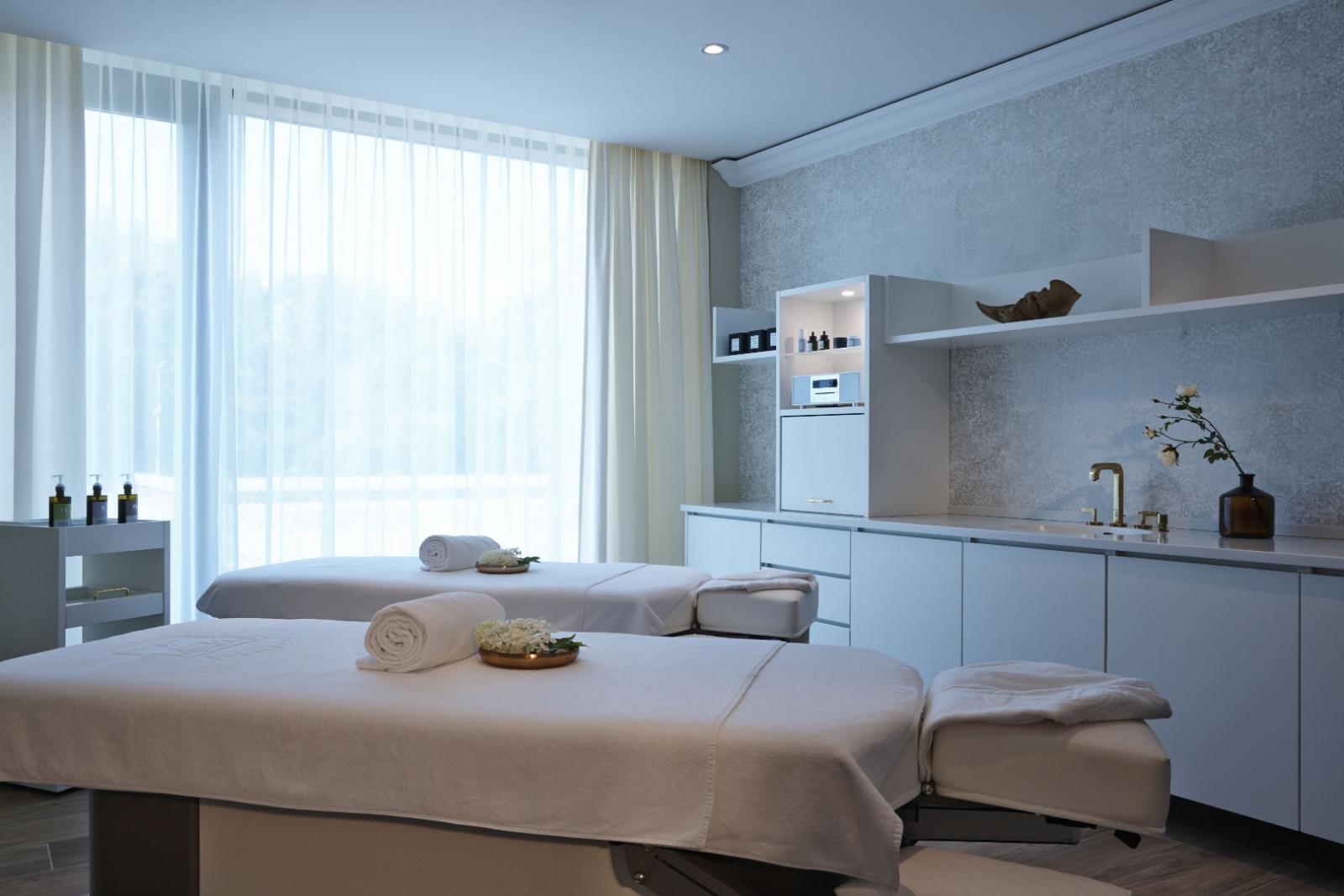 luxus country club spa package angebot im wellnesshotel kempinski hotel frankfurt. Black Bedroom Furniture Sets. Home Design Ideas