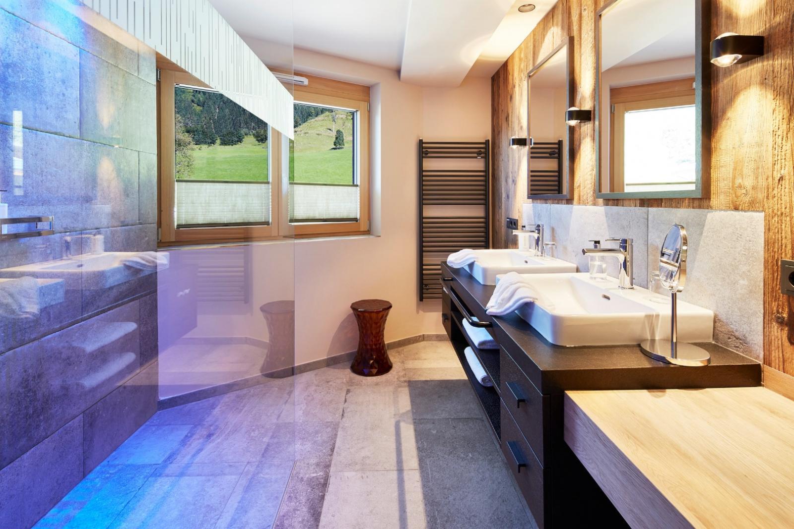 Aqua-Joggen: Foto vom Wellnesshotel Alpin Life Resort Lürzerhof   Wellness Salzburger Land