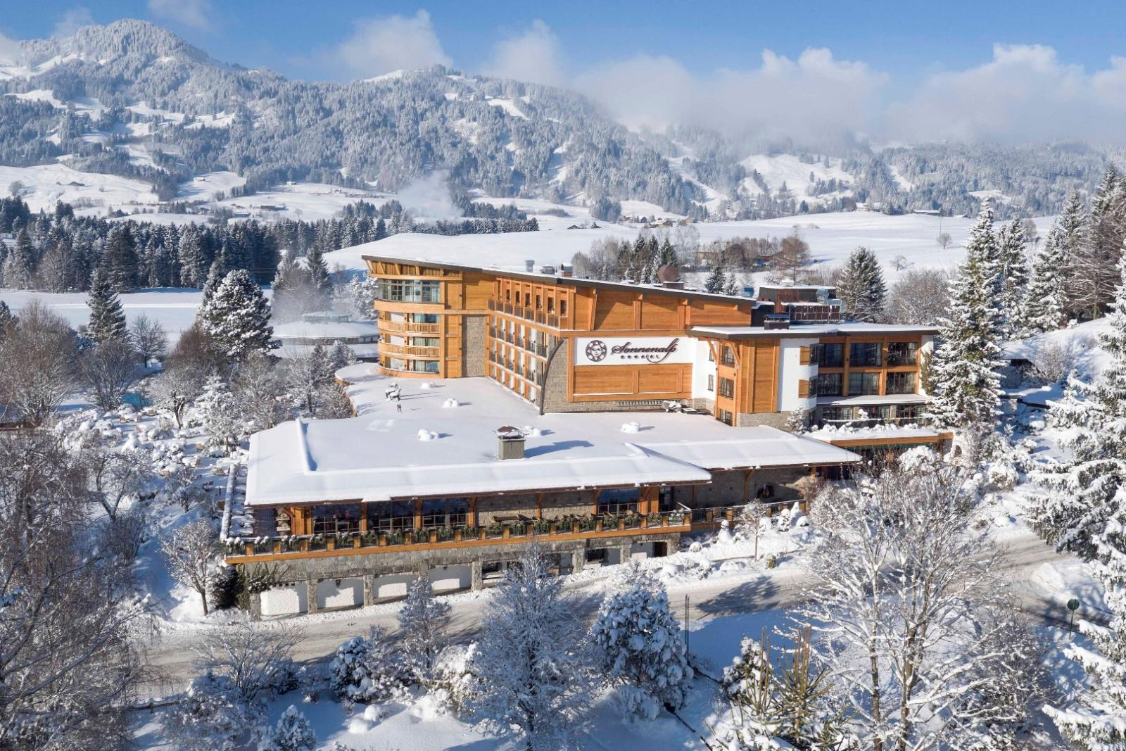 sonnenalp resort spa golf ofterschwang hotelbewertung. Black Bedroom Furniture Sets. Home Design Ideas