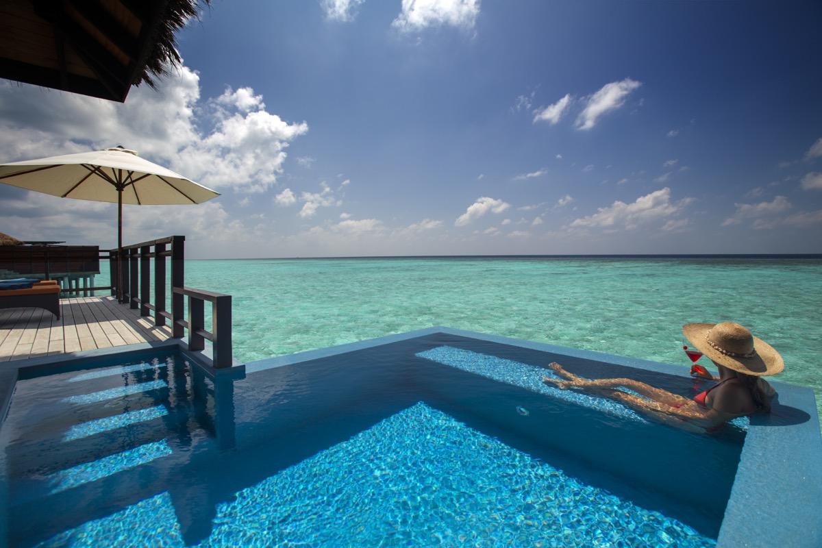 velassaru malediven resort zimmer suiten hotelbewertung. Black Bedroom Furniture Sets. Home Design Ideas