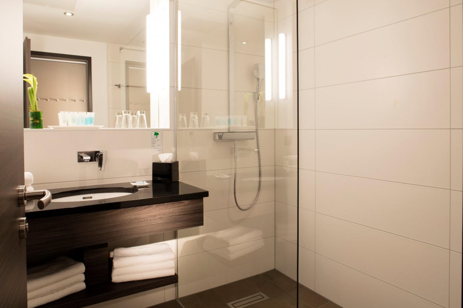 wellnesshotels in frankfurt am main hessen. Black Bedroom Furniture Sets. Home Design Ideas