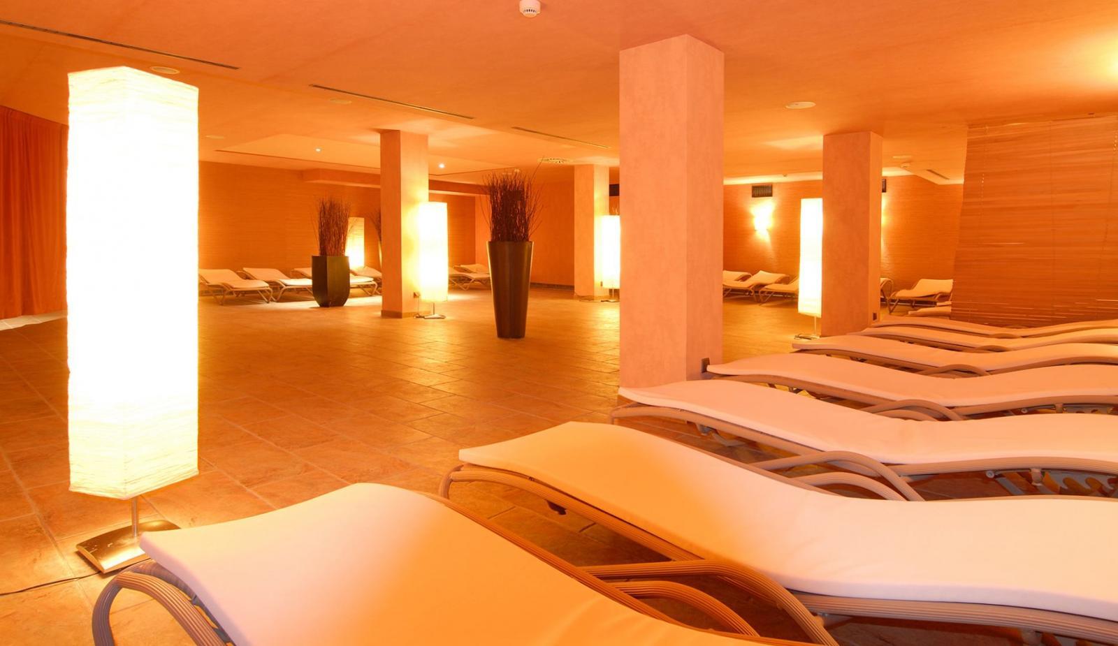 wellnesshotels frankfurt am main hessen bewertungen f r wellness hotels. Black Bedroom Furniture Sets. Home Design Ideas