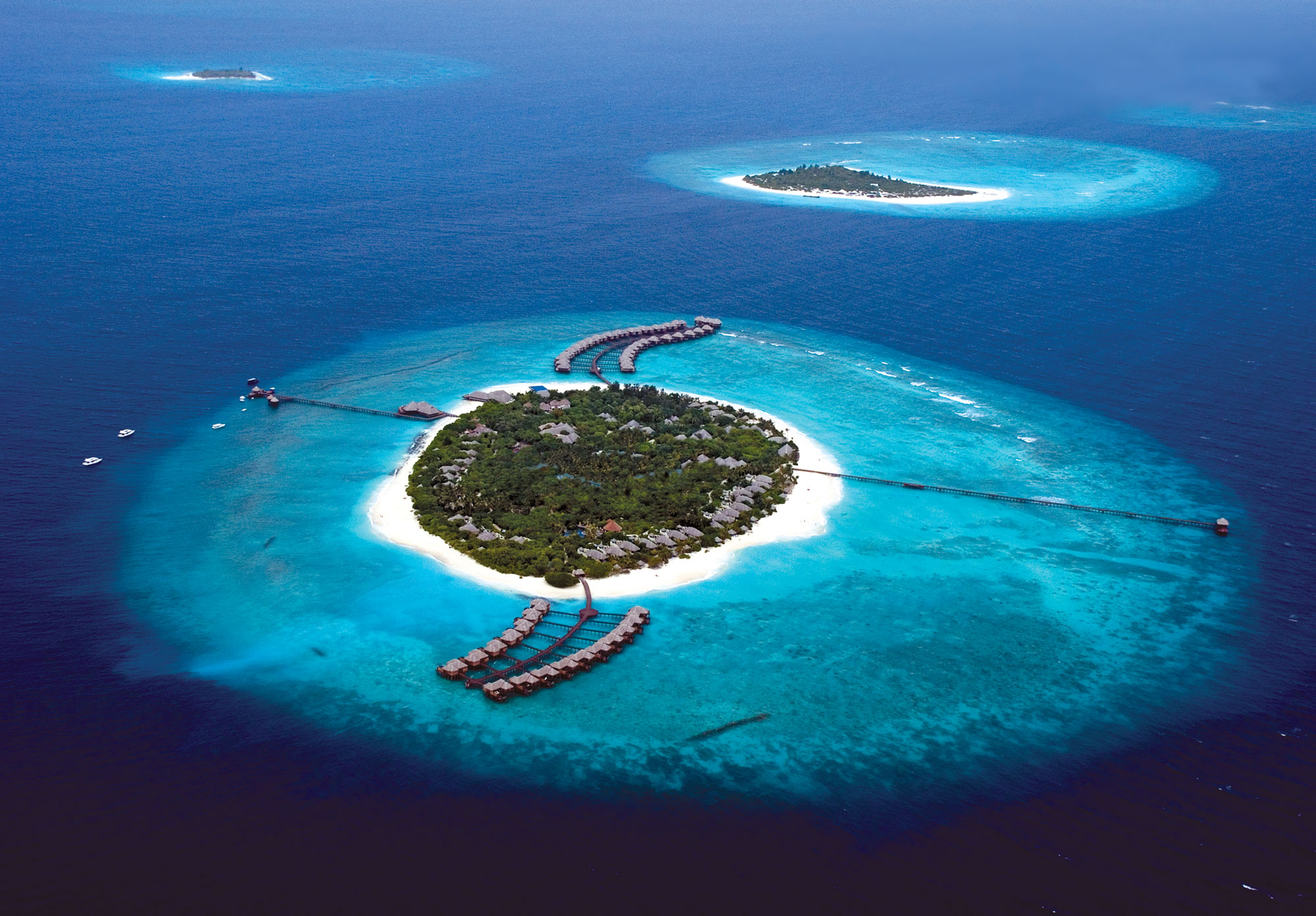 Beach House Iruveli at Manafaru © Wellness Heaven
